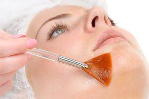 Zabieg na skórę twarzy na jesień